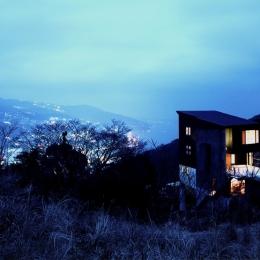熱海桜沢別荘地のの共鳴BOX (熱海の絶景の夜景を見下ろす事ができるロケーション)