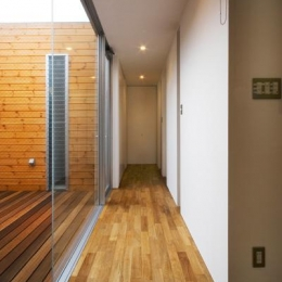 出雲の家 (連続性のある廊下とテラス)