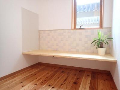 書斎 (外断熱と無垢床で一年中快適に過ごす家)