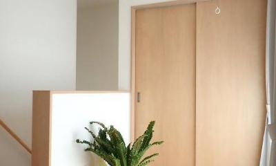 外断熱と無垢床で一年中快適に過ごす家 (ホール)