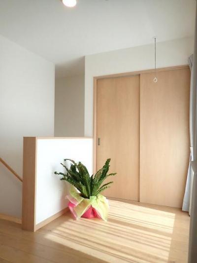 ホール (外断熱と無垢床で一年中快適に過ごす家)