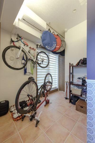 自転車スペース (趣味を楽しめる家に)