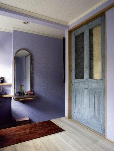 主寝室 (アンティークと和のスタイルが鮮やかに溶け合う住まい)