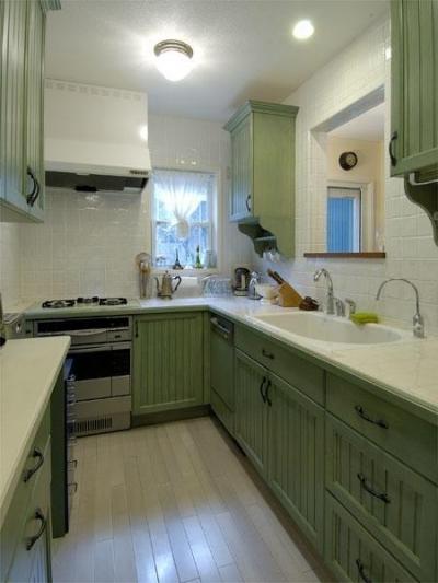 アンティークと和のスタイルが鮮やかに溶け合う住まい (キッチン)