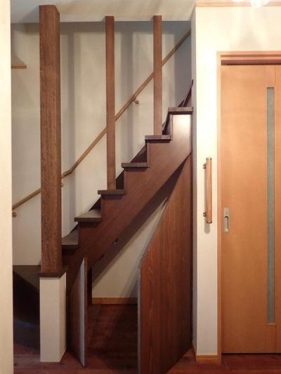 階段 (リフォームテーマは【アジアンと和のテイストの融合】)