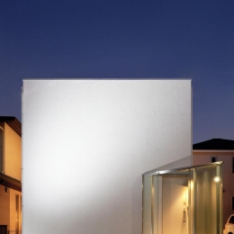 EXAMPLE-HOUSE (キューブ型の白い外観)