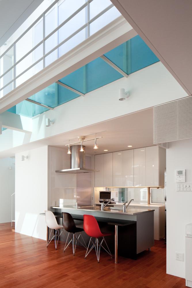 EXAMPLE-HOUSEの写真 カウンター付きのキッチン