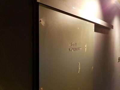 Timeless in Koshien 「そこは昔倉庫やカフェとして使われていた・・・」 (鉄扉風木製ドア)