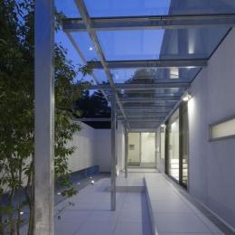 6COURT-HOUSE (シンボルツリーのあるテラス)