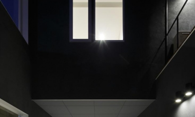 HACHIMAN-COMPLEX (ガラスルーフ付きのガレージ)