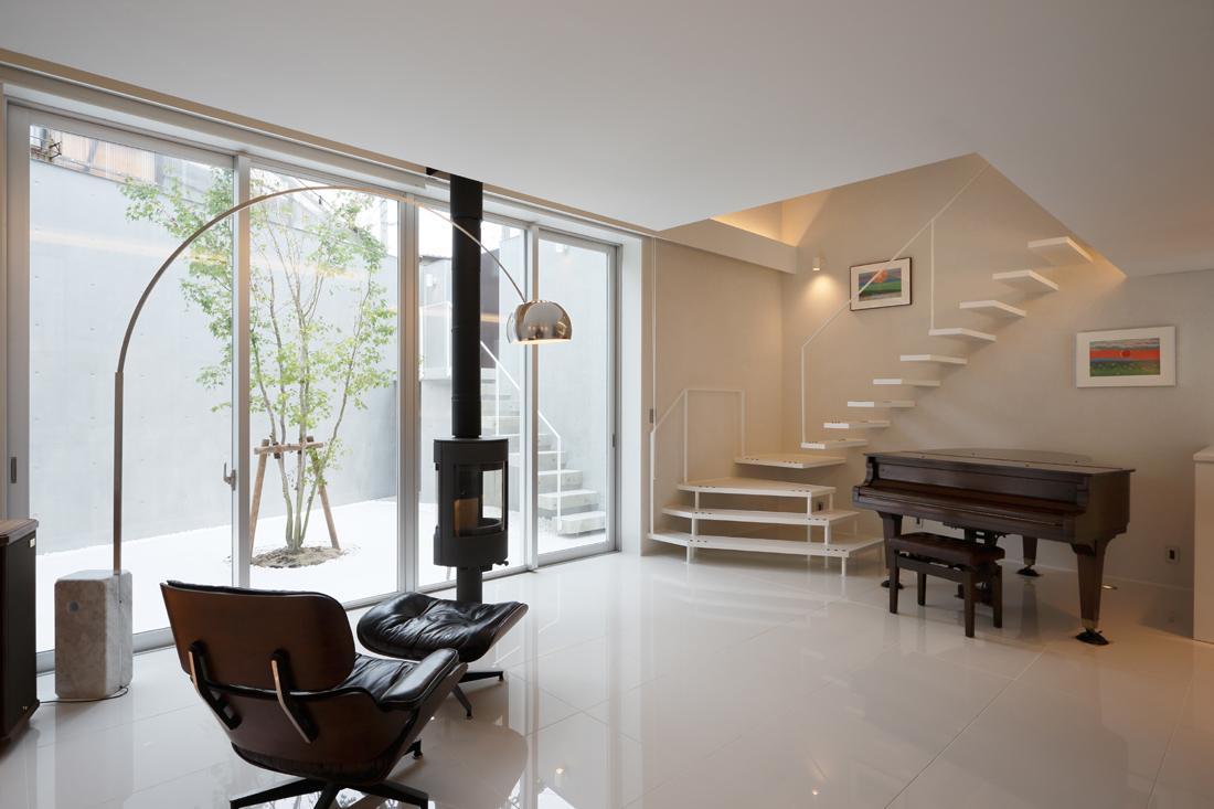 建築家:デ・ステイル建築研究所「HACHIMAN-COMPLEX」