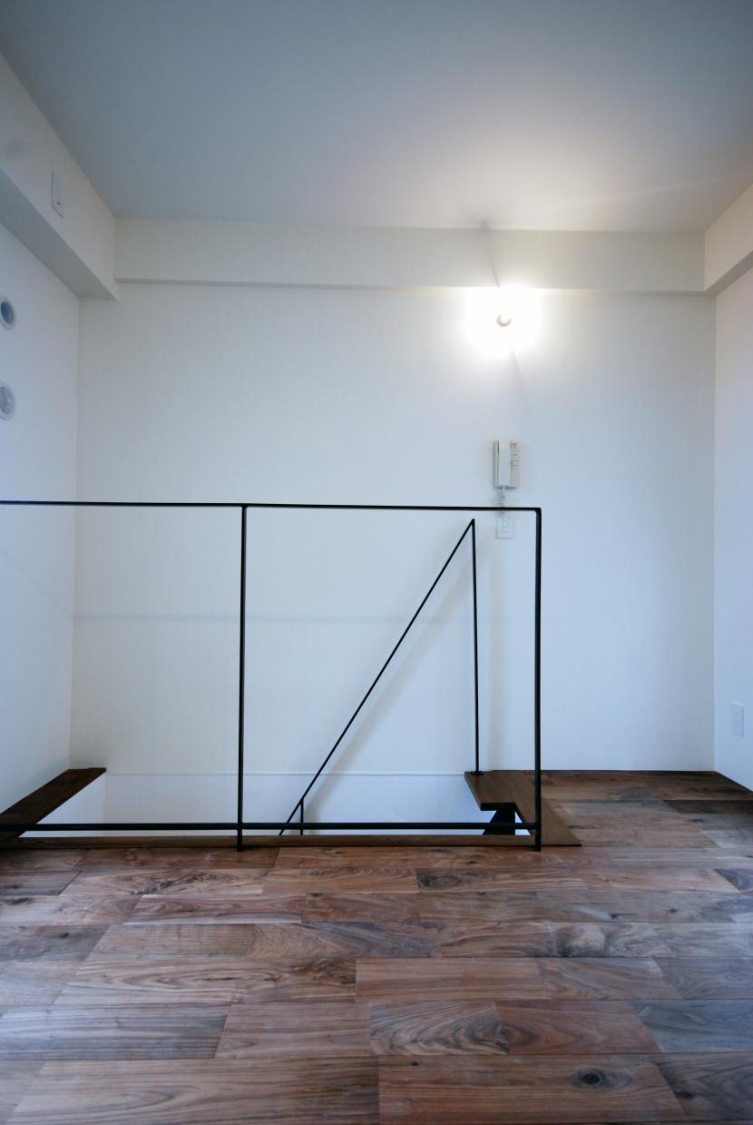 小竹向原 個人邸 マンションリノベーションの部屋 メゾネット2階部分階段手すり