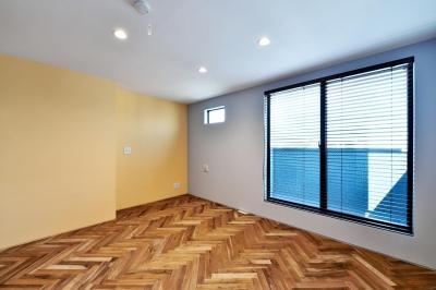 3F:子ども部屋 (世田谷区N様邸 輸入タイルや3種類の床材など素材を楽しむ家)