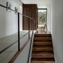 階段と廊下 (芦ノ湖の別荘)