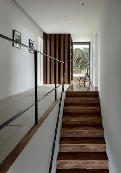 芦ノ湖の別荘の写真 階段と廊下