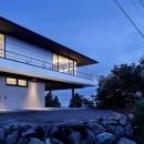 芦ノ湖の別荘の写真 シンプルに1層分上げて空に浮かぶ平屋