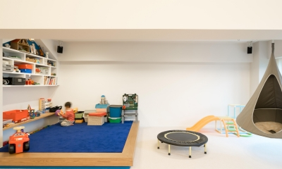 子どもの小上がりのある家 すくすくリノベーションvol.9 (元気いっぱいのブルーのじゅうたん)