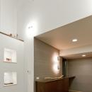 ルイスポールセンの照明がある玄関