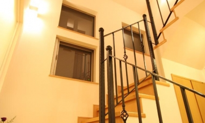 都市型住宅リフォームの必須条件 (階段)