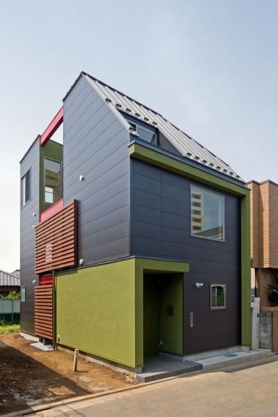 敷地18坪に建てた木造3階建て住宅 (陽が降り注ぐライトコートのある家/東京都阿佐ヶ谷の家)