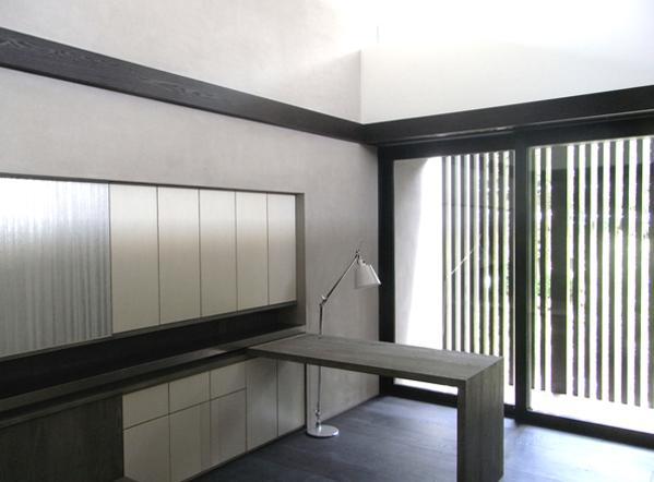 D邸 (シンプルな書斎)
