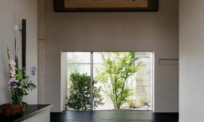 S邸 (上がり框のある玄関)