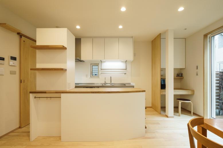 巣鴨の家の写真 カウンター付きのキッチン