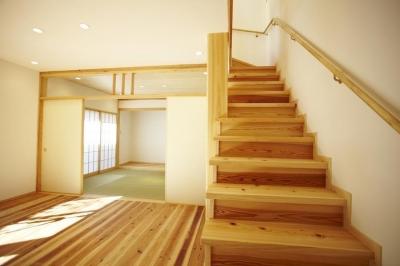 リビングダイニング (四つ葉 〜光溢れる木の家〜)