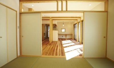 リビングダイニングキッチン和室|四つ葉 〜光溢れる木の家〜