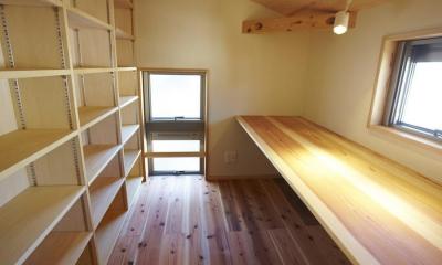 書斎|四つ葉 〜光溢れる木の家〜