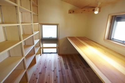 書斎 (四つ葉 〜光溢れる木の家〜)