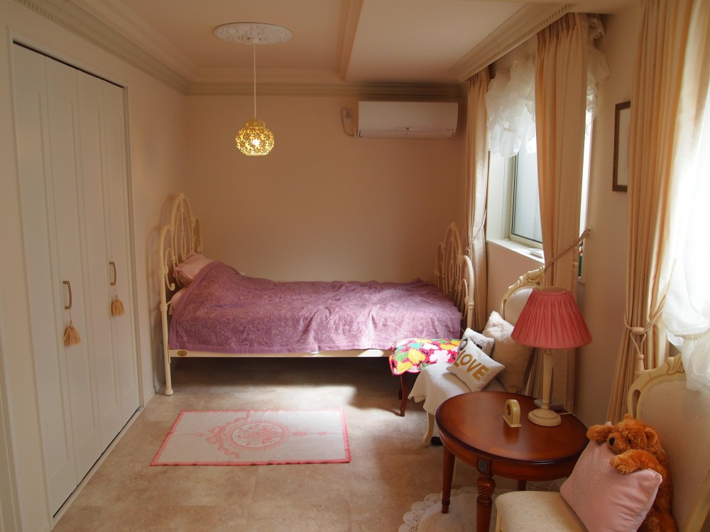 エレガントで上品なヨーロピアンスタイル (寝室)