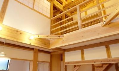 結 〜丸窓のある木の家〜 (リビングダイニング)