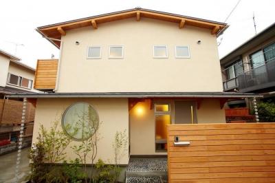 結 〜丸窓のある木の家〜 (外観)