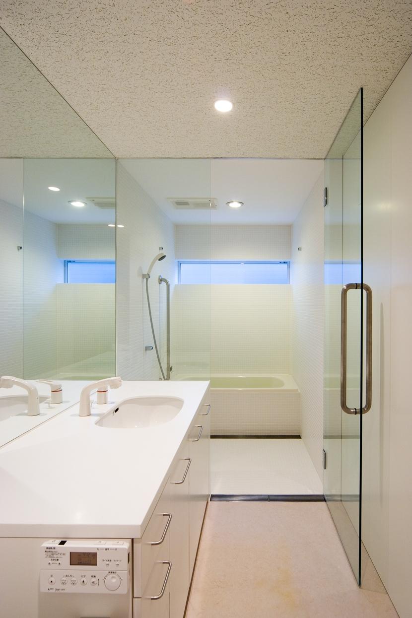 中野の家の写真 洗面・バスルーム