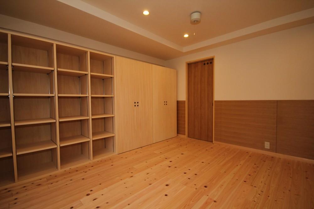 本棚ROOM (壁一面、本棚)