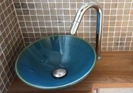 S邸 (トイレにある手洗い鉢)