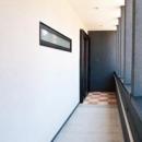 N邸の写真 玄関アプローチとスロープ