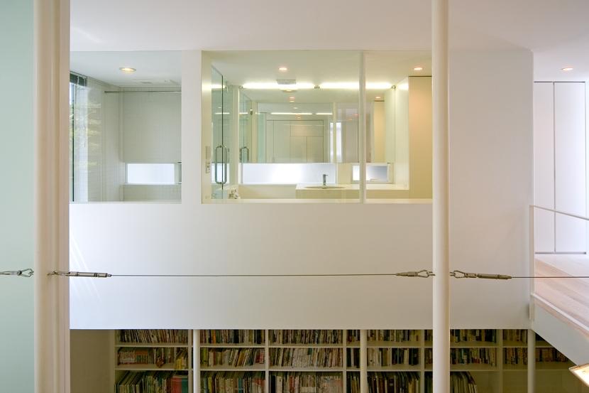 南千束の家の部屋 洗面・読書室を見る