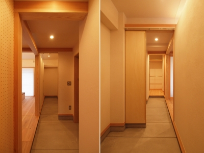 生活動線としても機能する玄関土間 (窓際造作ベンチと多様性のある小リビングを持つ住まい)