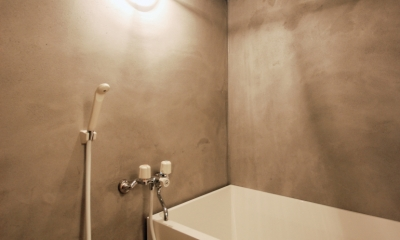 モルタル仕上げのお風呂|宮前台 個人邸 マンションリノベーション
