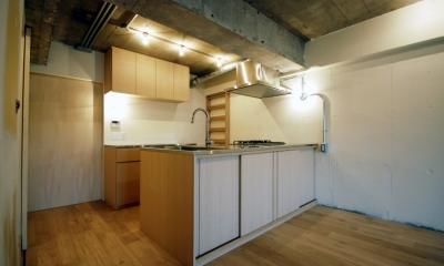 突き板で仕上げたオリジナルキッチン|宮前台 個人邸 マンションリノベーション