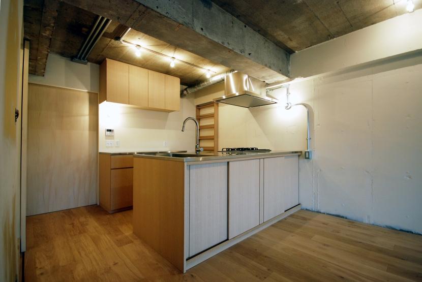 宮前台 個人邸 マンションリノベーションの部屋 突き板で仕上げたオリジナルキッチン