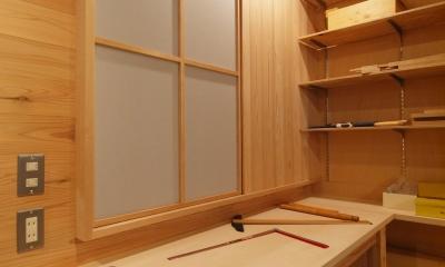 杉羽目板の壁を設け、イメージを刷新|DIYを愉しむワークスペースのある戸建てリフォーム