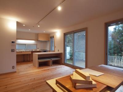 間仕切壁を取り払い大きな作業も出来る空間に (DIYを愉しむワークスペースのある戸建てリフォーム)