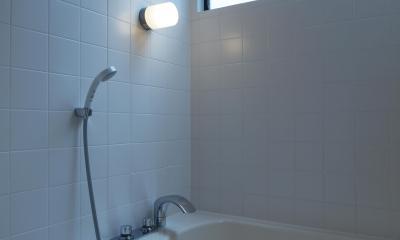DIYを愉しむワークスペースのある戸建てリフォーム (在来工法の浴室につくり変え)