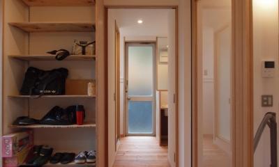 引込み戸を用い、凹凸のない空間となるように意識|DIYを愉しむワークスペースのある戸建てリフォーム