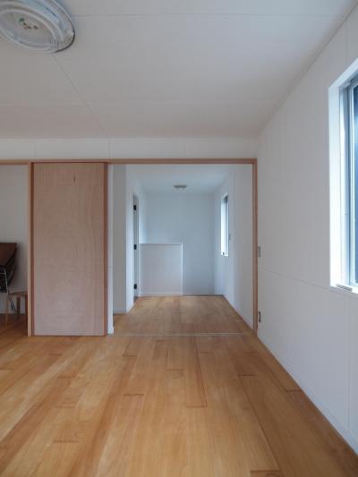 一体的になるホール空間 (DIYを愉しむワークスペースのある戸建てリフォーム)