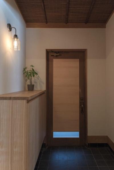 玄関 (純和風+ヴィンテージな住まい)