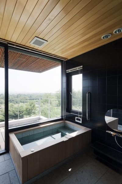 浴室は疲れを癒す場所 (対岳荘)